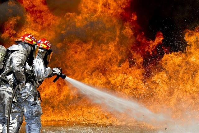 Paloturvalliset kattovalaisimet kotiin